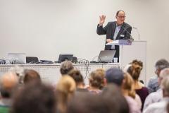 Prof. Dr. Dr. Urs Niggli:  Agrarökologie gehört ins Curriculum jeder Universität. Technologie allein nützt wenig, es braucht auch eine Mässigung von Konsum, Reduktion von Foodwaste auf der ganzen Lebensmittelkette, kohärente Politik ...